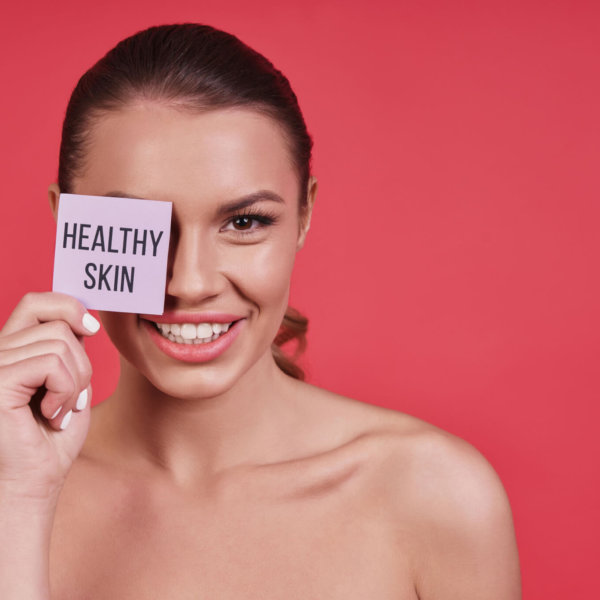 Step 1. Deep Cleanse Step 2. Detoxify Step 3. Hydrate Step 4. Plump Step 5. Massage Skinwave begins with pulses of electricity on your skin. These pulses open your pores so your skin can absorb the hydrogen molecules and customized nutrients applied during your treatment. The second step uses three hydrogen-based solutions that contain various antioxidants to revitalize your skin. Applied after the AHA, the hyaluronic acid solution helps reduce inflammation and locks in moisture to hydrate the skin leaving your skin feeling smooth, plumped, and moisturized. Last, you will receive a facial massage using contouring rollers. With massaging motions, the rollers will relax the facial muscles and assist with lymphatic drainage. The entire treatment takes 30 minutes or less. During your initial consultation, our esthetician Tiffany Smith will assess your specific skin needs, discuss your skin goals, and determine the nutrient solution needed along with the concentration of the solution perfect for you. Skinwave